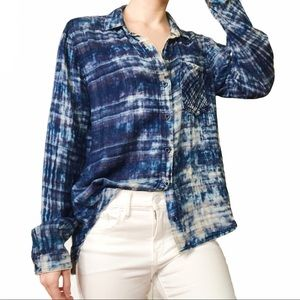 Cloth & Stone Distressed High-Low Blue Button-Up